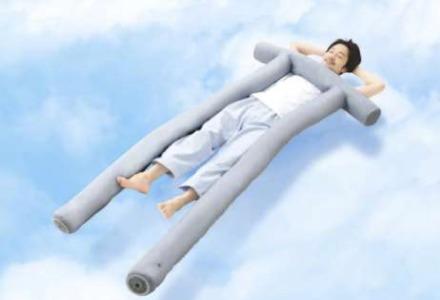 NHK まちかど情報室|鳥居の形のファンが付いた抱き枕(快眠)